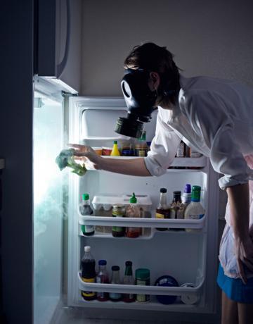 چگونه بوی بد یخچال و فریزر را از بین ببریم؟